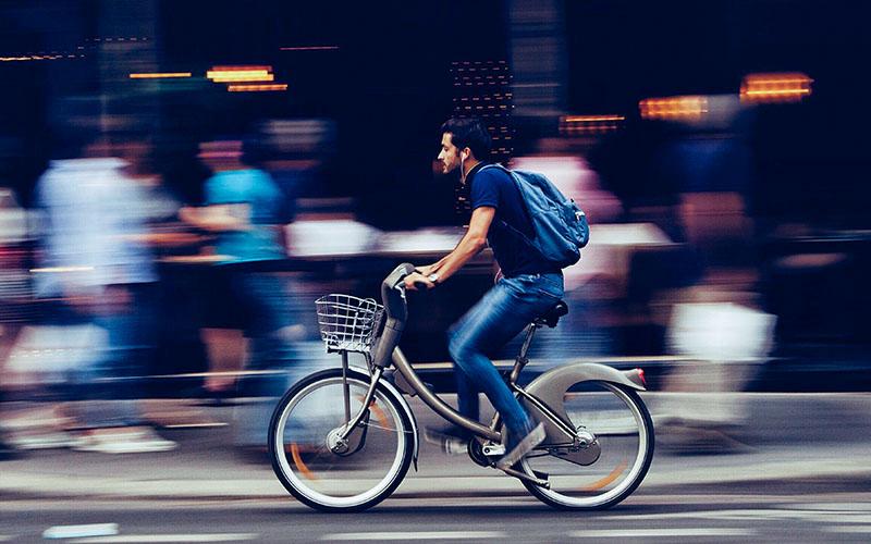 自転車に乗って通勤することでSDGs